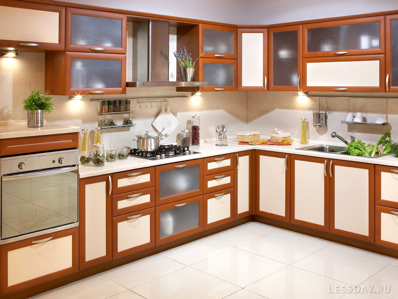 25 май 2018. 3 размеры и формы плитки на пол для кухни и коридора: фото. В кухне и прихожей цветами являются бежевый, коричневый и серый.